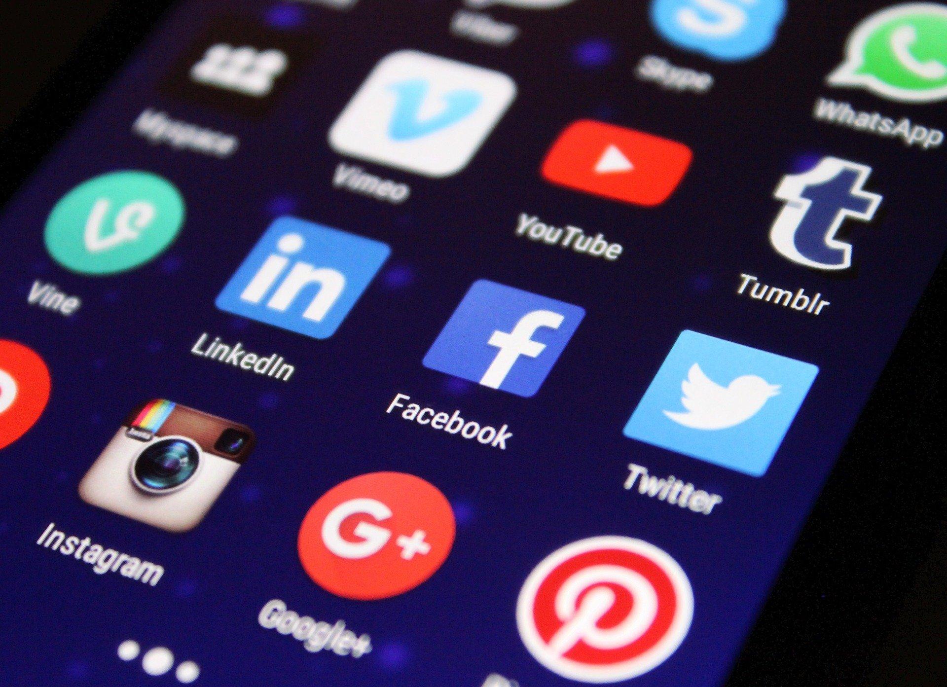 SOCIAL MEDIA MANAGEMENT RETAINER